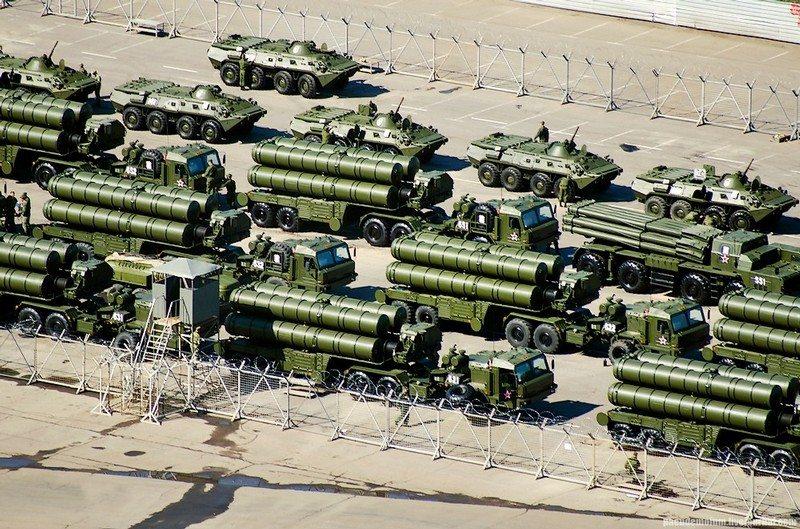 https://www.savunmasanayist.com/wp-content/uploads/2019/06/russia-S-400-air-defense-system.jpg